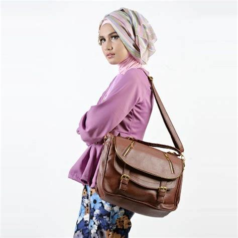Light Lmf Wanita Sobek buy free shipping bagtitude michelia messenger bag tas deals for only rp169 000 instead of