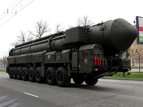 topol nuclear intercontinental ballistic missile launcher delivered  serpukhov