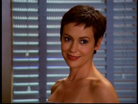 Phoebe Halliwell Hairstyles by Best Hairstyle Phoebe Halliwell Fanpop