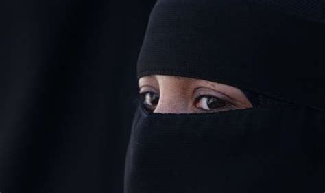 Khadijah By Royale Free Niqab why do choose to wear the burka or niqab