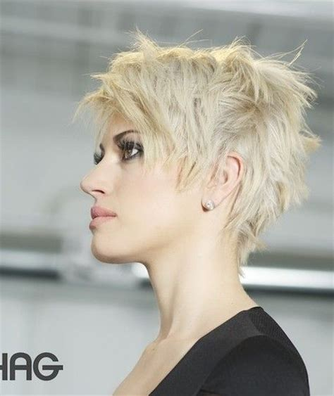 woman short hair cut with a defined point in the back best 25 punk pixie cut ideas on pinterest punk pixie