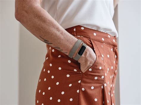 fitbit luxe fitness wellness tracker blends fashion