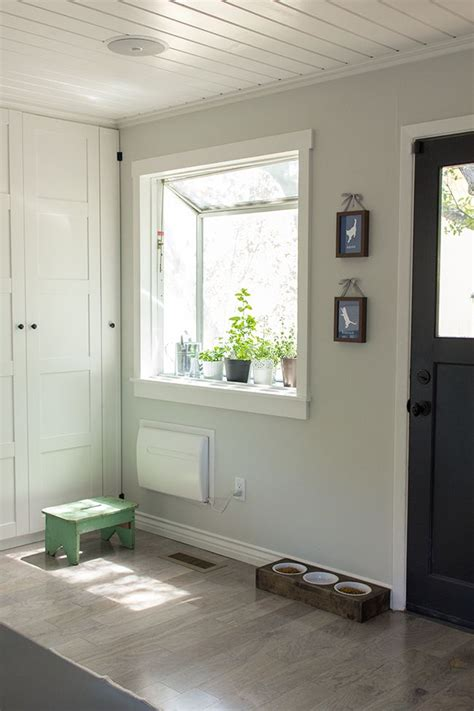 valspar s montpelier white paint colors valspar floors and water containers