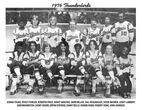 los angeles thunderbirds roller derby thunderbirds roller derby 1976 team photo quot i love l a