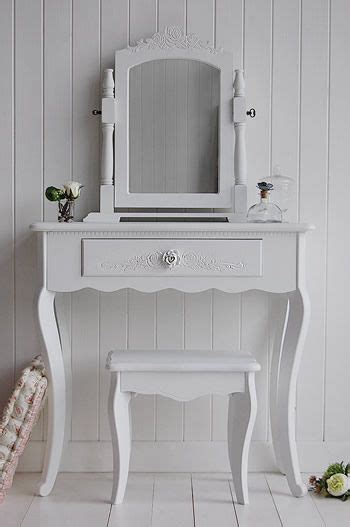 white bedroom dressing table 1000 ideas about small dressing table on pinterest