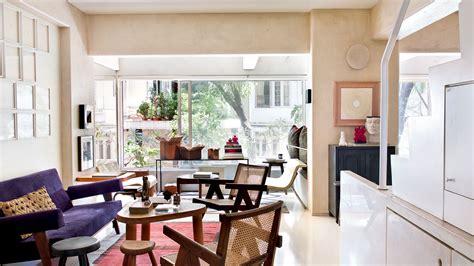 ashiesh shah opens  doors   south mumbai home