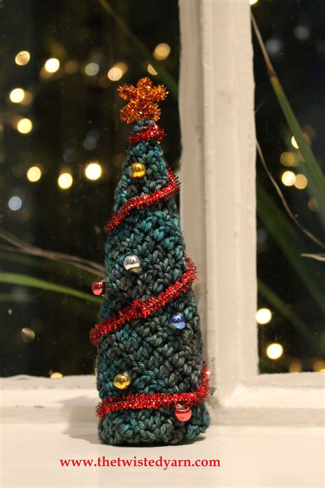 christmas decorations to knit and crochet the twisted yarn