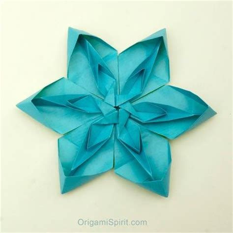 Origami Plants - how to make a tessellated origami flower post image