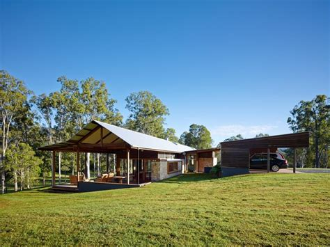 country style home gold coast hinterland jamison contemporary hinterland farmhouse with breezway louvre windows