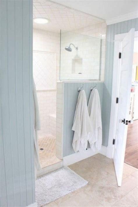 Rustic Farmhouse Bathroom Ideas with Shower 12 HomeCantuk.com