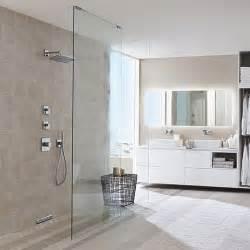 dusche hansgrohe trend im badezimmer bodenebene dusche