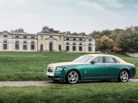 roll royce green take a second look at the rolls royce ghost golf edition
