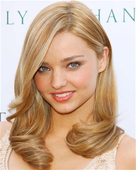 Miranda Kerrs Best Hair Looks