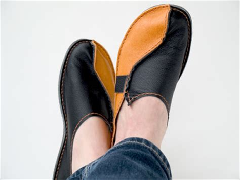 leather shoes diy craft tutorials galore at crafter holic leather moccasins