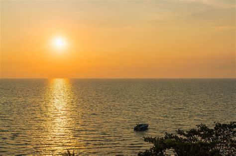 le crpuscule de la image libre coucher du soleil l eau aube soleil mer plage cr 233 puscule oc 233 an rivage ciel