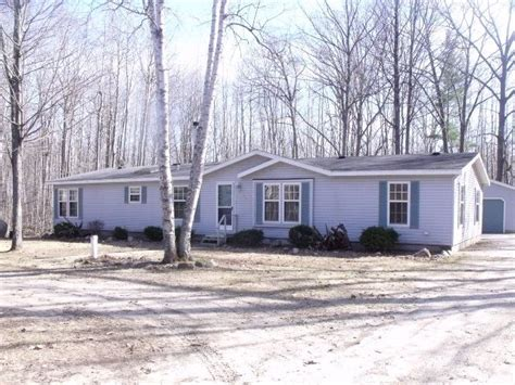 houses for sale in bay city mi 203 bay city trl houghton lake michigan 48629 foreclosed home information