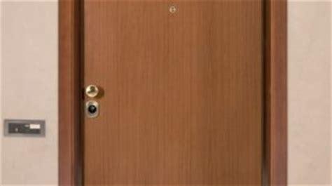 come montare una porta come smontare e montare una porta senza intoppi