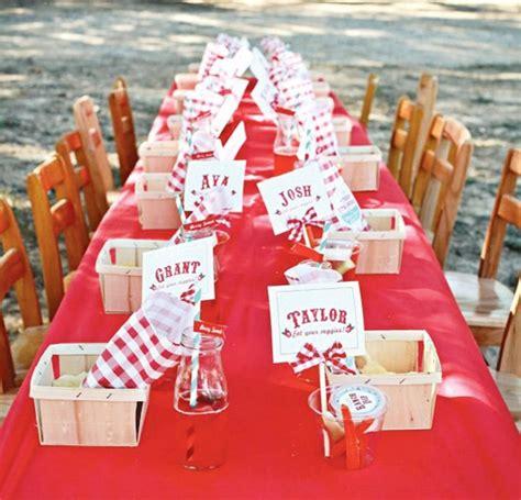 tischdeko rot weiß kariert tischdecke rot kreieren sie eine festliche und