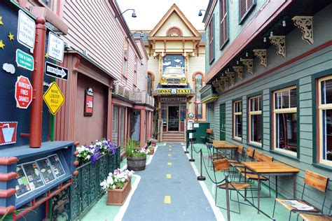 Top Restaurants In Bar Harbor Maine by Dinks Route 66 Taxi Restaurant Bar Harbor Maine Bar