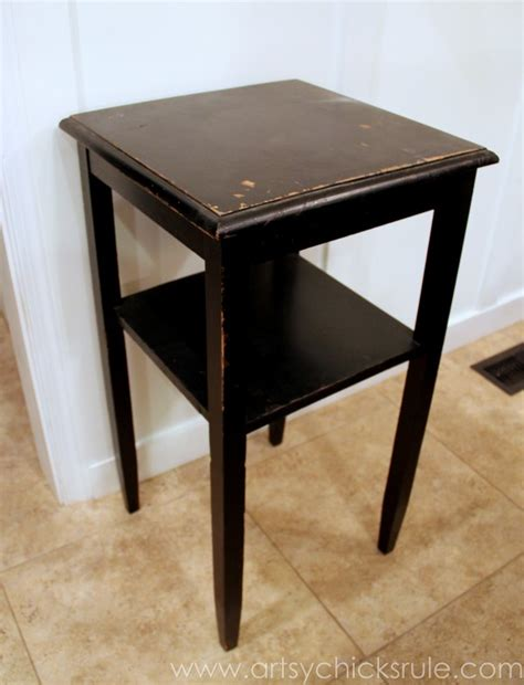 thrifty side table makeover sloan chalk paint