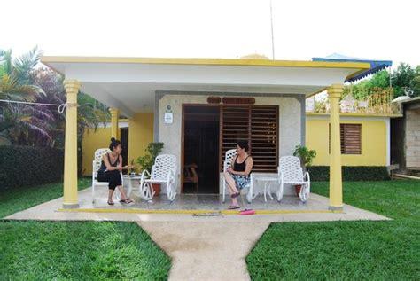 casa di marilyn zah chatting to marilyn foto de casa de marilyn vinales