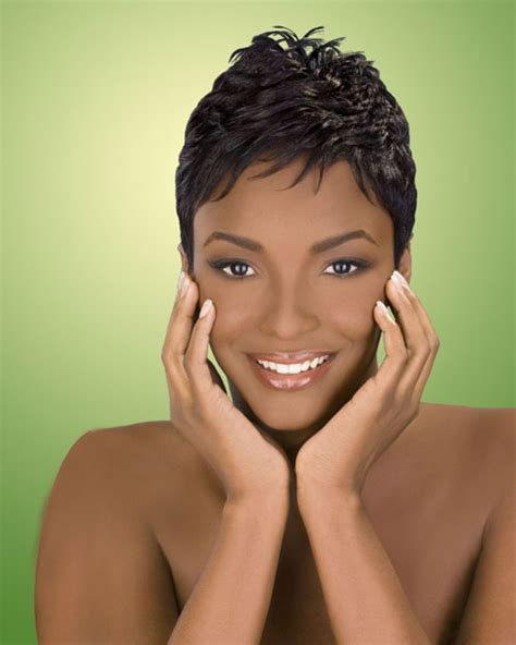 find short curly hairstyle for african americans african american short hairstyles wavy pixie cool