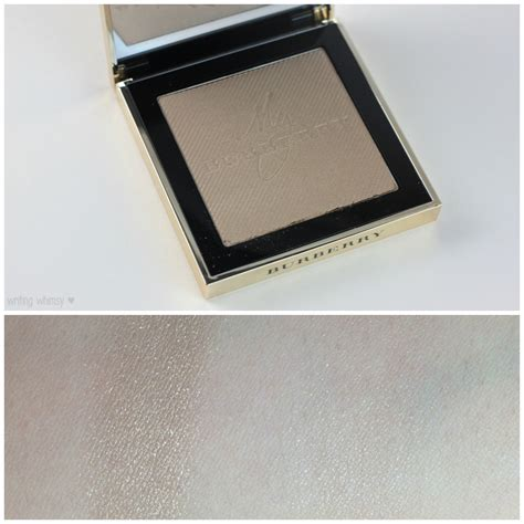 New Burberry Gold Glow Powder No01 Gold Shimmer Limited Edition burberry gold glow fragranced luminising powder writing whimsy