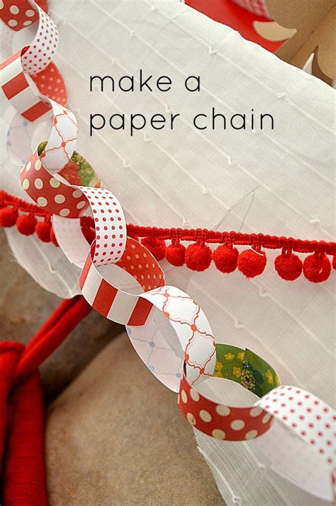 How To Make A Folded Paper Chain - 17 best images about paper chains garland on