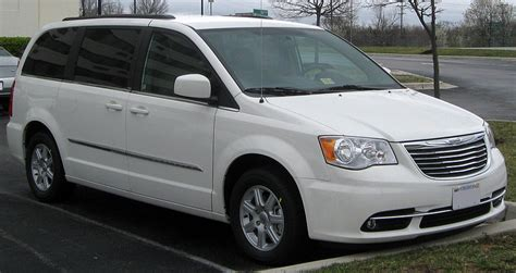 Chrysler Town And Country Wiki by File 2011 Chrysler Town Country 03 24 2011 Jpg