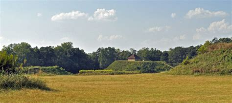 moundville archaeological park at moundville al