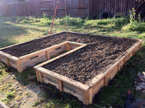 Pallet Garden Bed 10 X 10 Keyhole Raised Bed Made From Shipping Pallets