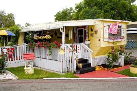 malibu trailer park cute yellow mobile home vintage camping pinterest
