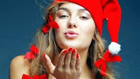 christmas kiss wallpaper wallpaper 543873