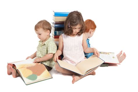 blog a snapshot of what teenagers are reading 183 readings children reading kids picture library books stock photo