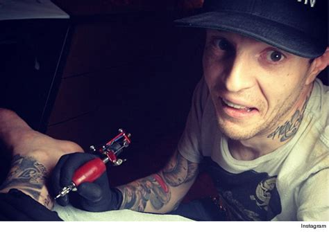 deadmau5 tattoos d s boyfriend deadmau5 tattoos what d she