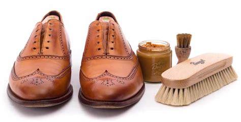 Schuhe Polieren Tuch by Tipps Anleitungen Burgol Zu Schuhpflege Und Schuhe Putzen