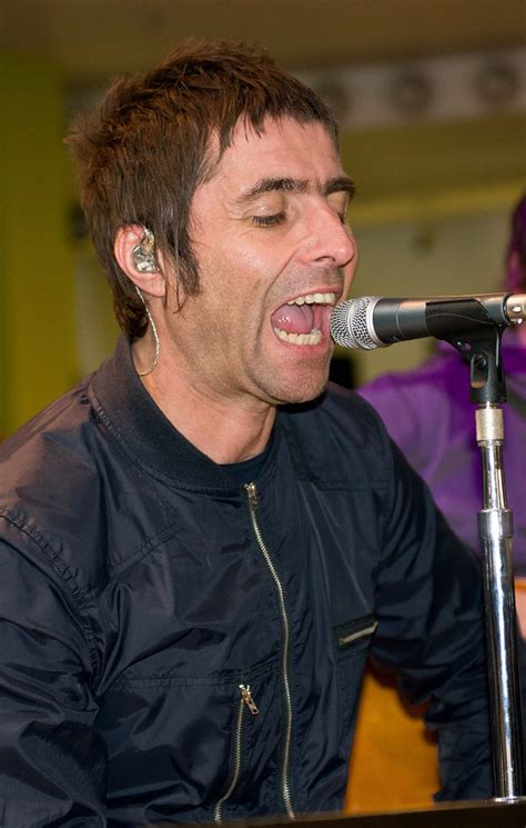 mod haircuts glasgow liam gallagher performs in glasgow zimbio