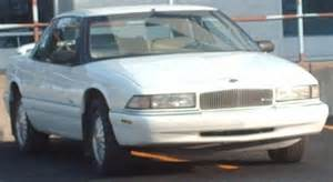 95 Buick Regal File 95 96 Buick Regal Coupe Jpg Wikimedia Commons