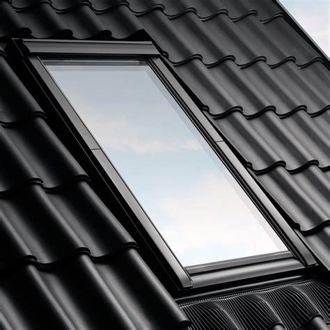 velux rollladen einbau abdichtung dachfenstern mit eindeckrahmen velux