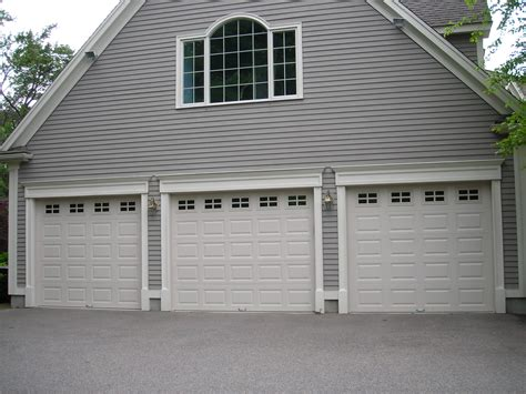 Chi Overhead Door Chi Door C H I Overhead Doors Model 5916 Panel Steel Carriage House Style Garage Doors