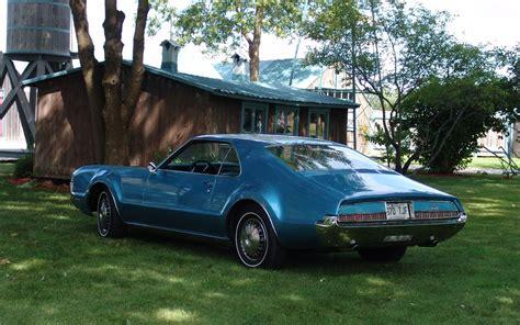 Guide De L Auto Mustang 1967 by Oldsmobile Toronado 1967