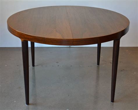 Oval Dining Room Tables With A Leaf Mid Century Or Oval Rosewood Dining Table With Leaves At 1stdibs
