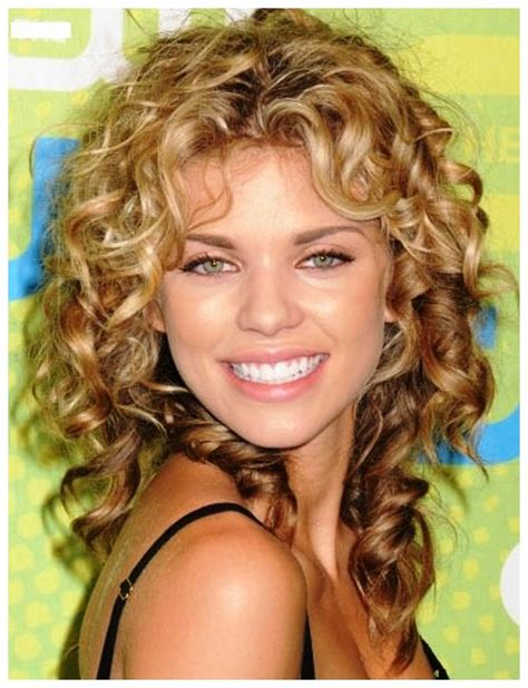 haircuts for square jaw women newhairstylesformen2014 com short wavy hairstyles for square face for women over 60