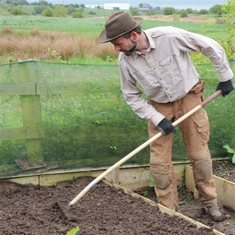 what soil to use for raised vegetable garden why use raised bed kits for vegetable gardening how to