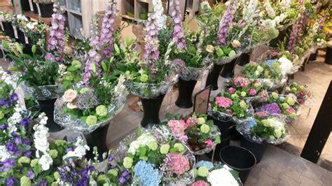 bloemen bezorgen in restaurant laat uw bloemen bezorgen door leurs in venlo tuincentrum