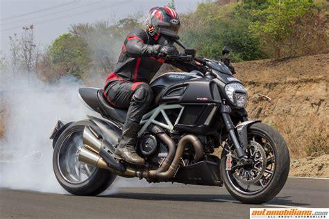 Automobilians.com   2016 Ducati Diavel Carbon ? Test Ride