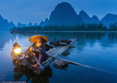 people fly out of boat images show chinese fishermen keeping 1 000 year old