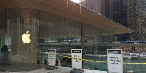 apple s ill designed chicago store bird poop falling ice