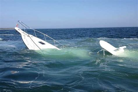 westerncraft whaler boats boaters rescued accident strands 5 adults two children