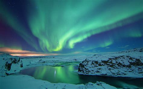 iceland springs and northern lights northern lights wallpapers wallpaper cave
